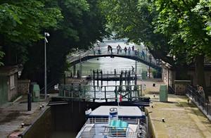 En remontant le canal Saint Martin